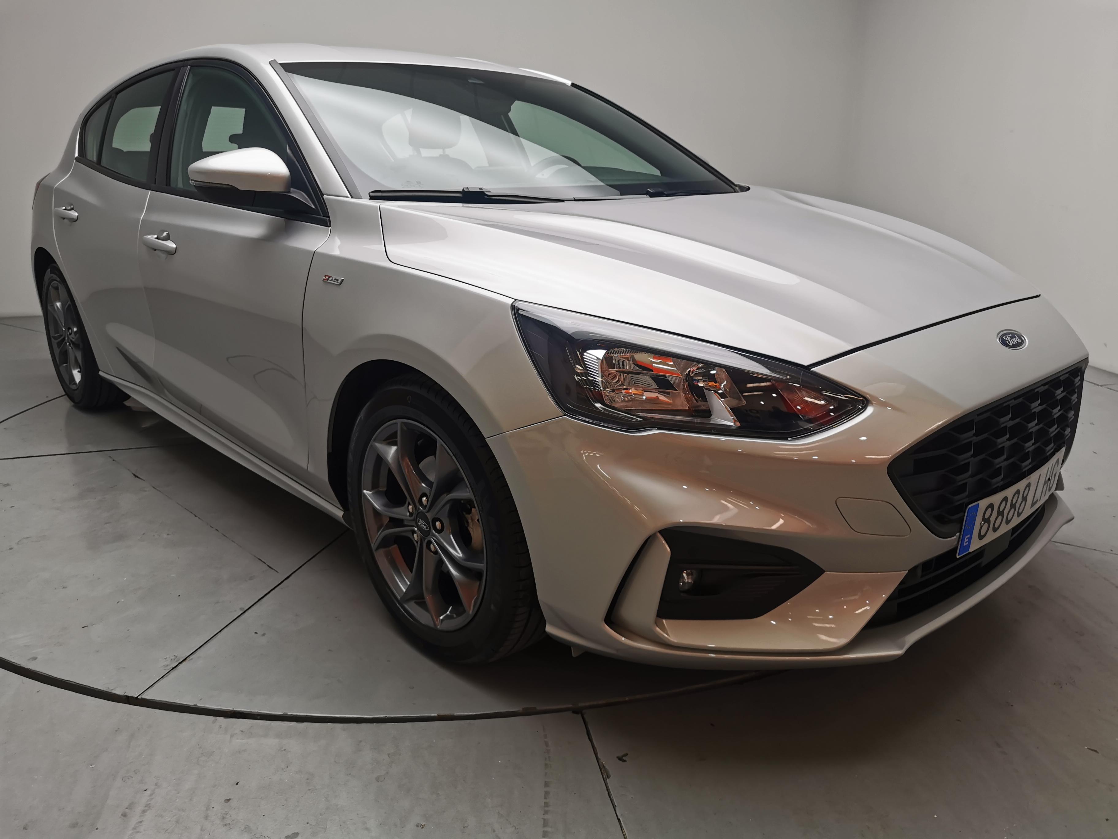 Ford Focus ocasión segunda mano 2020 Gasolina por 21.700€ en Málaga