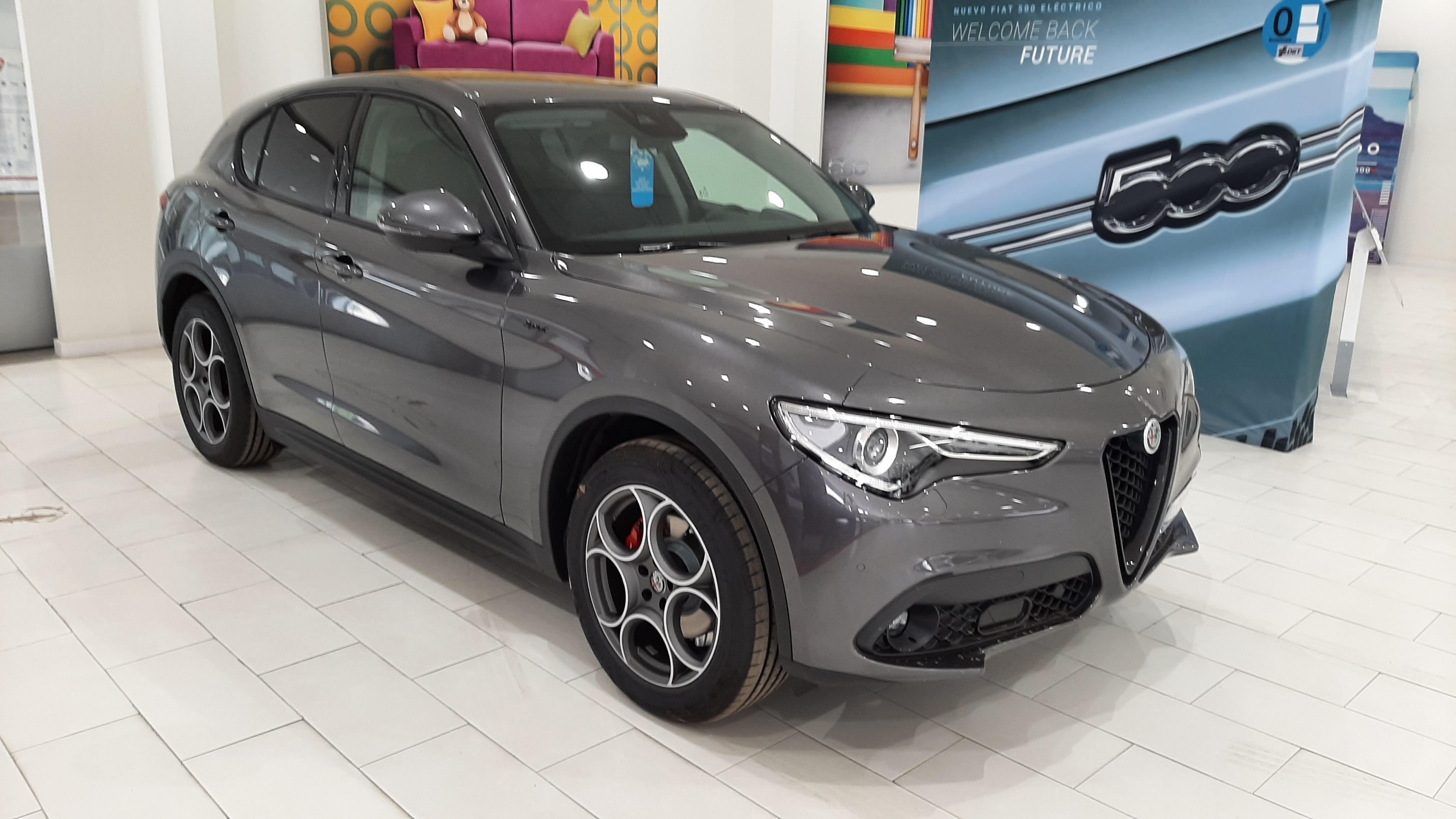 Alfa Romeo Stelvio ocasión segunda mano 2021 Diésel por 44.900€ en Málaga