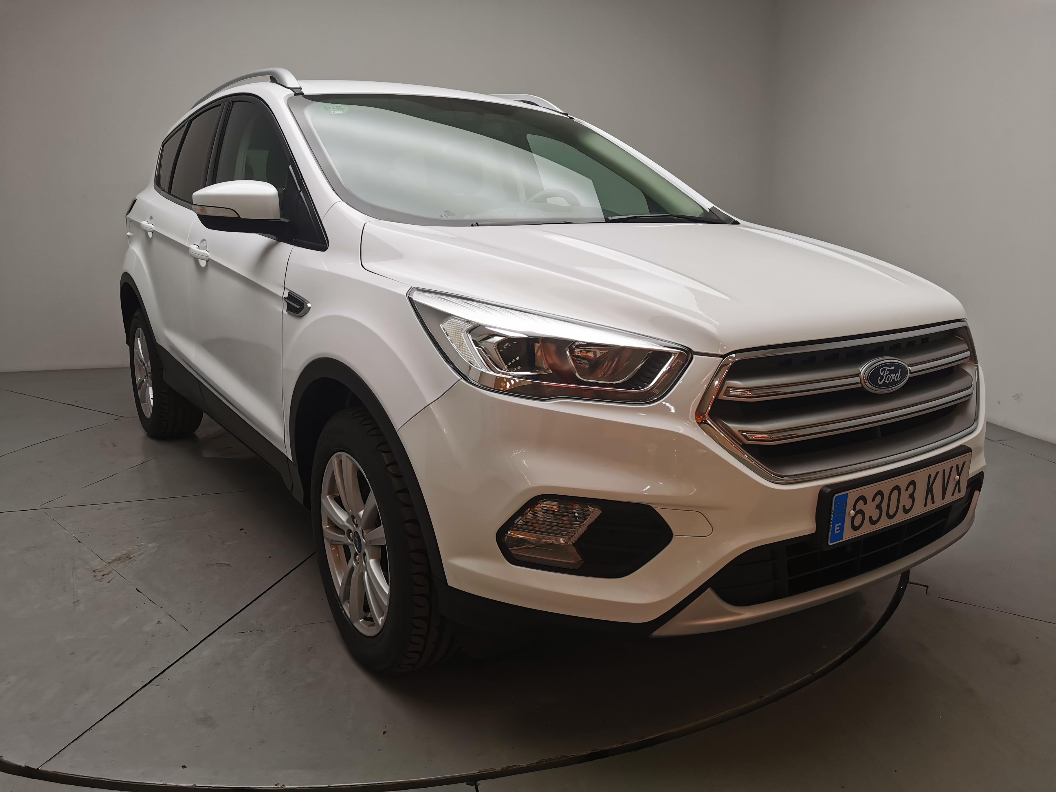 Ford Kuga ocasión segunda mano 2019 Gasolina por 17.900€ en Málaga