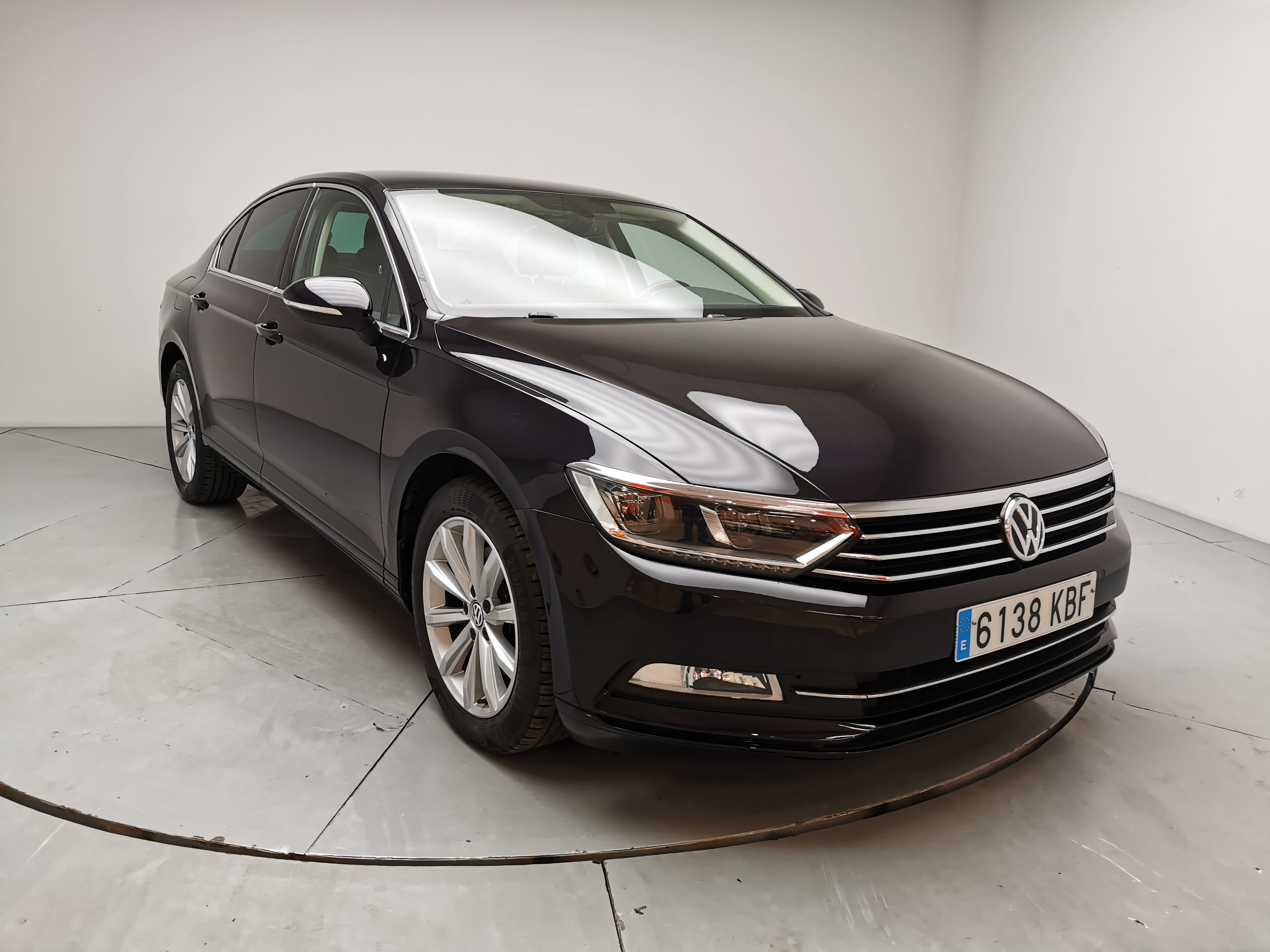 Volkswagen Passat ocasión segunda mano 2017 Diésel por 18.900€ en Málaga
