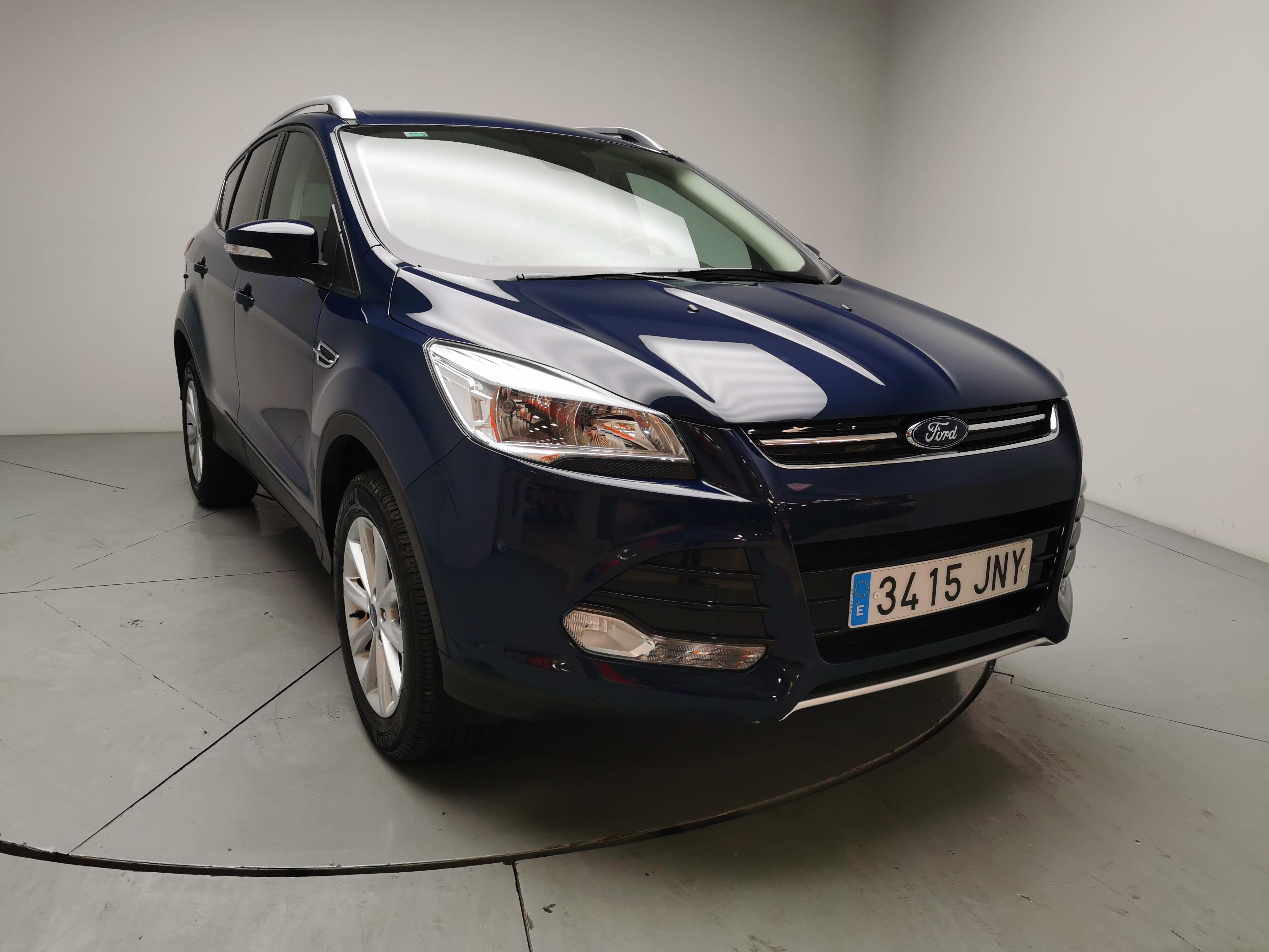 Ford Kuga ocasión segunda mano 2016 Gasolina por 20.500€ en Málaga